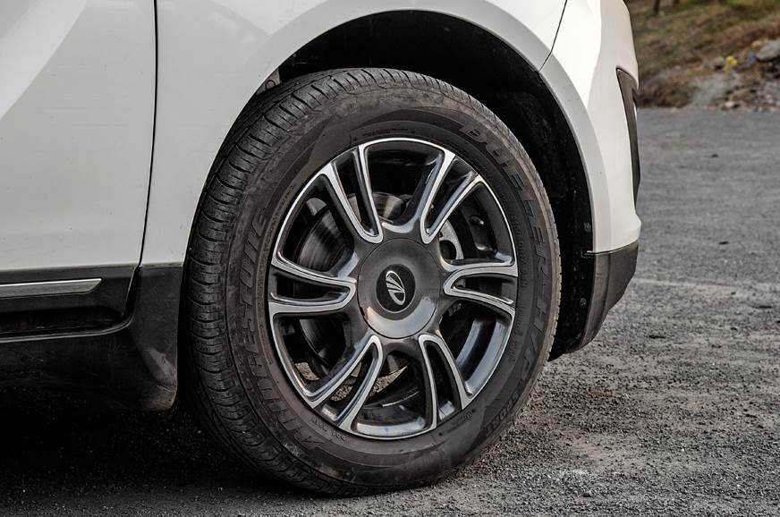 Mahindra Marazzo 17-inch alloy wheels