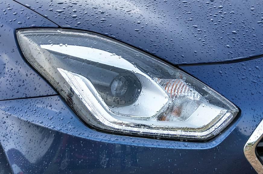 Maruti Suzuki Dzire headlights