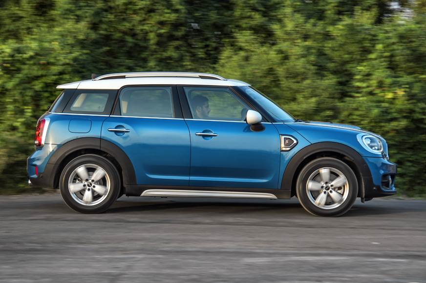Mini Countryman SD side action