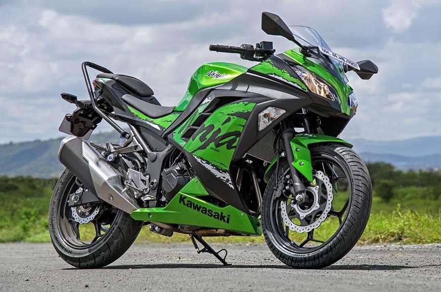 2018 Kawasaki Ninja 300 front static