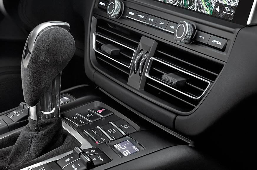 Porsche Macan centre console
