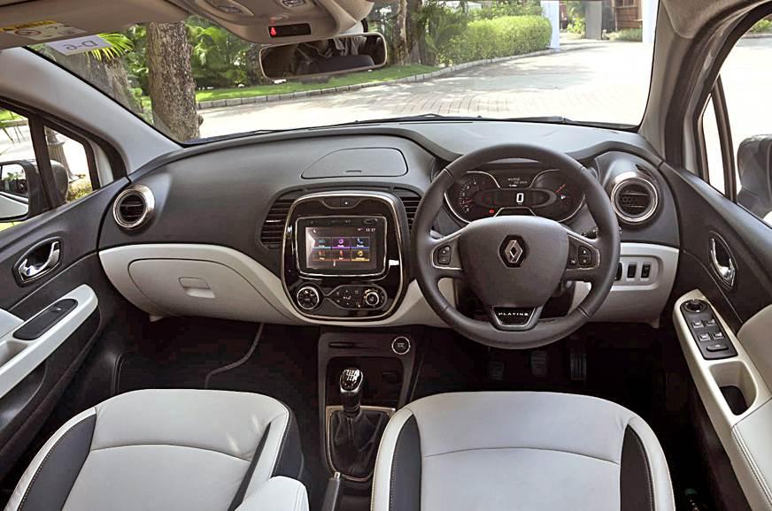 Renault Captur cabin