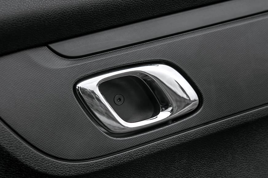 2018 Renault Kwid AMT door handle