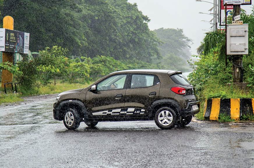 Renault Kwid side action U-turn