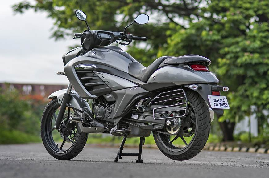 Suzuki Intruder FI rear static
