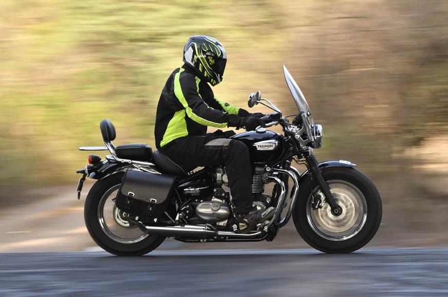 Triumph Speedmaster side action