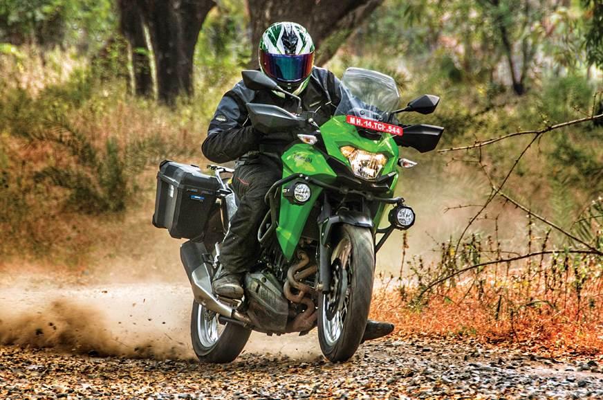 Kawasaki Versys-X 300 front action