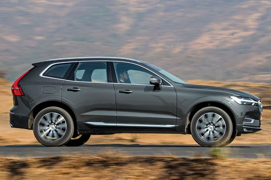 Volvo XC60 side action