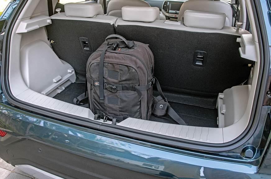 Mahindra XUV300 boot