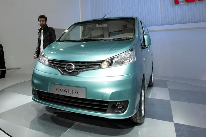 Nissan unveils Evalia MPV