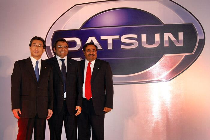 (L-R) Kiminobu Tokuyama, MD & CEO, Nissan Motor India, Ashwani Gupta, Program Director, Datsun Business Unit and Dinesh Jain, CEO – Hover Automotive India at the unveiling of the Datsun brand.