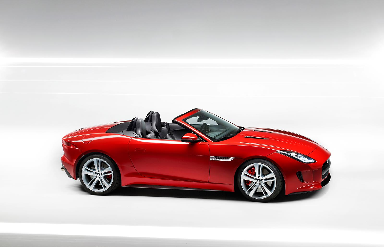 New Jaguar F-type revealed