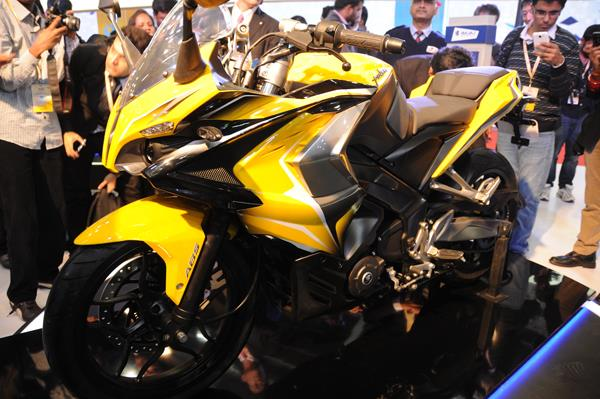 Auto Expo 2014: Bajaj Pulsar SS400 and Pulsar CS400 unveiled