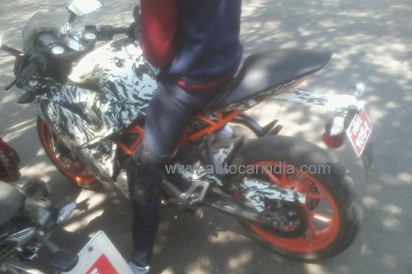 KTM RC 390 spy pic.