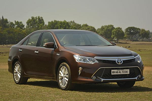 Toyota Camry Hybrid facelift review, test drive