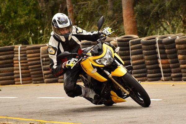 2016 TVS Apache RTR 200 review, test ride