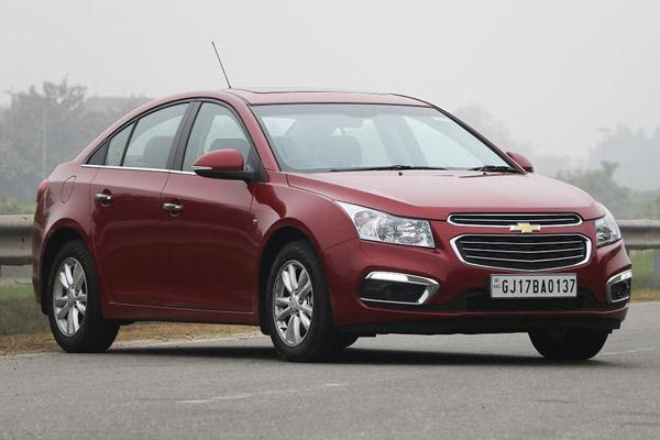 Chevrolet Cruze facelift launched at Rs 14.68 lakh