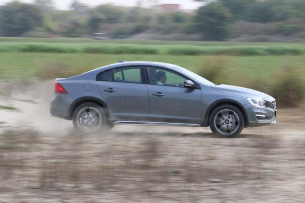 Volvo S60 Cross Country India review, test drive