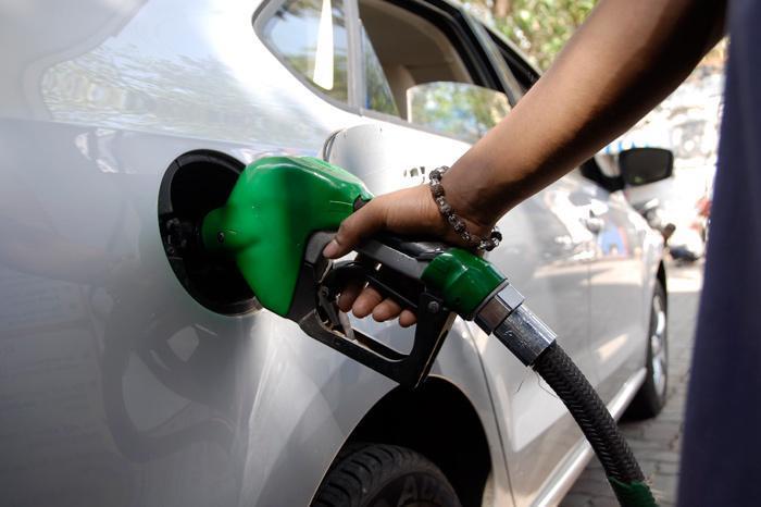 Top 10 fuel-efficient petrol cars in India