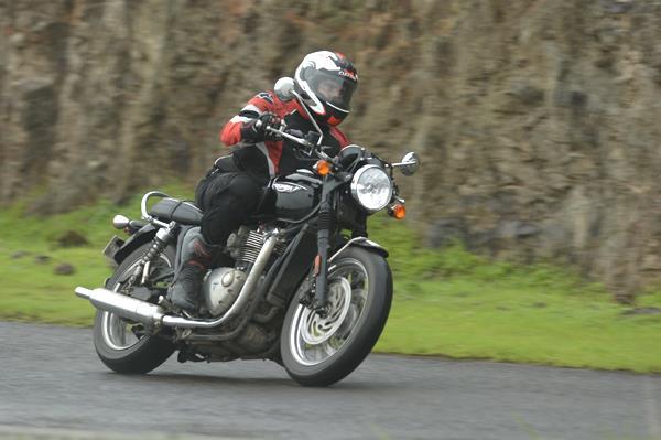 2017 Triumph Bonneville T120 review, road test