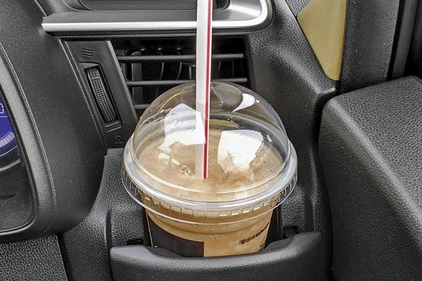 Cupholders and bottleholders are handy on long drives.