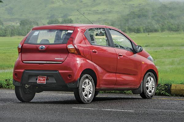 For its sub-three-lakh rupee price, the Redigo is very stylish.