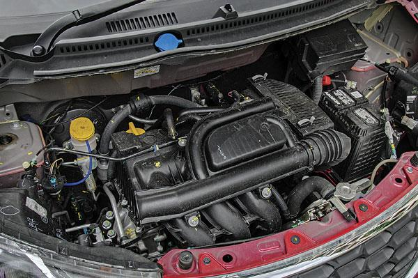 54hp 799cc three-cylinder petrol engine is identical to Renault Kwid's.