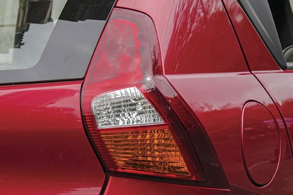 Stylish vertical tail-lamps, but only a single reversing light.