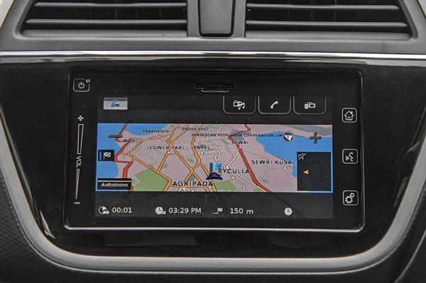 Infotainment is simple to use and boasts rich graphics.