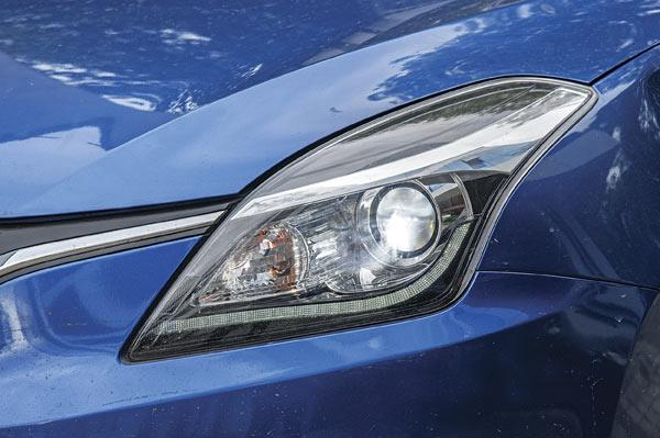 HID Xenon light beams illuminate well and lend a premium feel.