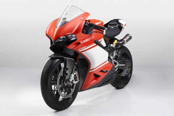 Ducati Panigale 1299 Superleggera breaks cover at EICMA 2016