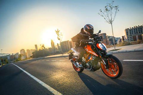 KTM lets loose new 390 Duke at EICMA