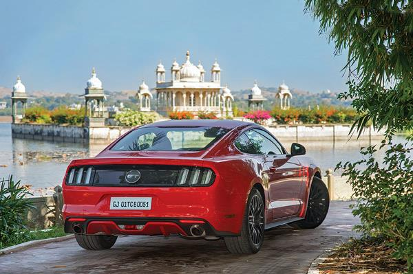 No, that's not the Lake Palace; the Mustang takes a small break at Dungarpur.