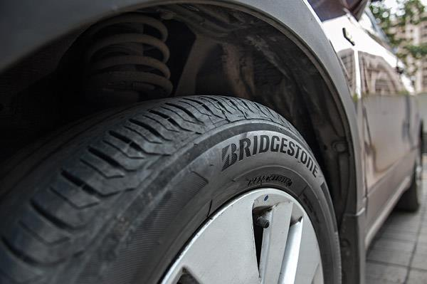 Switching to Bridgestones improved grip levels; felt more planted through corners.