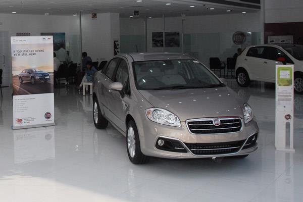 Fiat Linea, Punto Evo cheaper by up to Rs 77,121