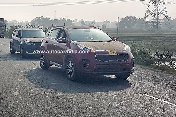 Kia Sportage SUV, Soul crossover spied in India