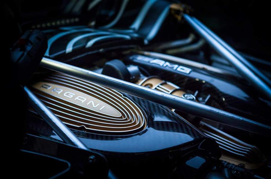 New Pagani Huayra Roadster teased