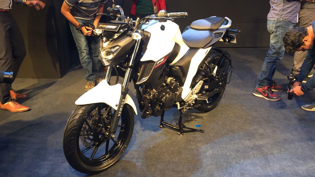 Yamaha FZ25 launched at Rs 1.19 lakh