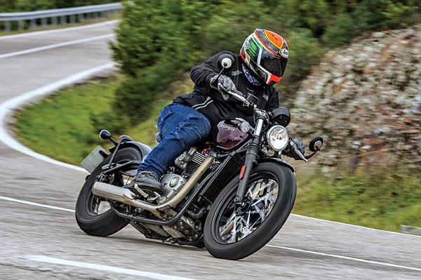 Triumph Boneville Bobber review, test ride