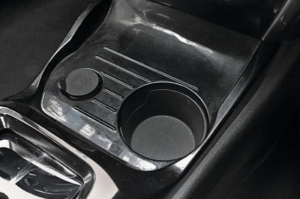 A solitary cupholder in the centre console simply isn't enough.