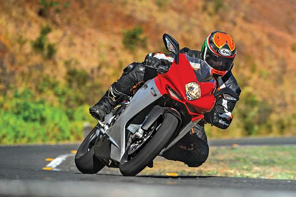 MV Agusta F3 800 review, test ride