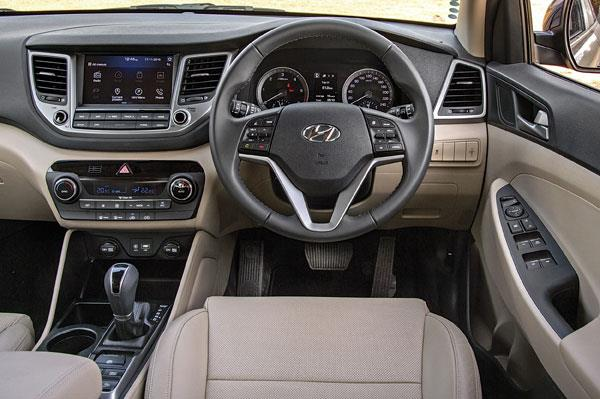 Dashboard looks neat and smart but feels familiar to the smaller Creta. Buttons operate with a quality damped feel.