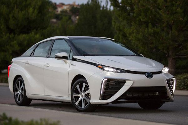 Toyota recalls Mirai to update software glitch