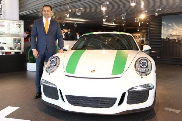 Porsche 911 R delivered to Indian customer