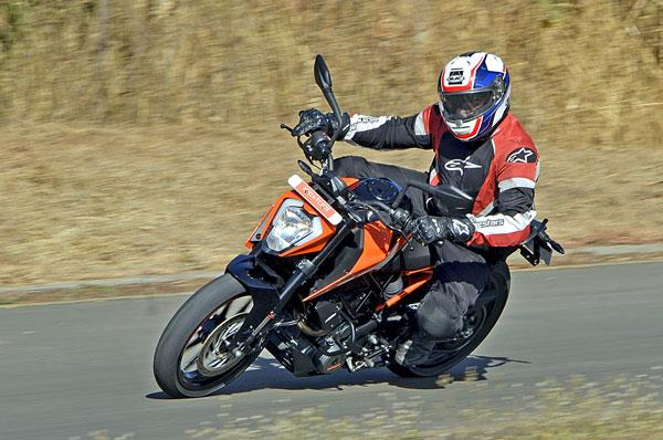2017 KTM Duke 250 review, test ride