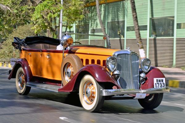 Classic cars take over Mumbai