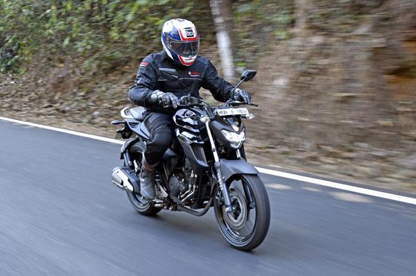 2017 Yamaha FZ25 review, test ride