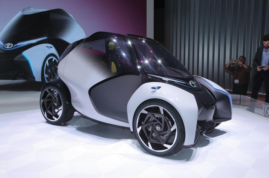 Toyota i-TRIL electric concept unveiled