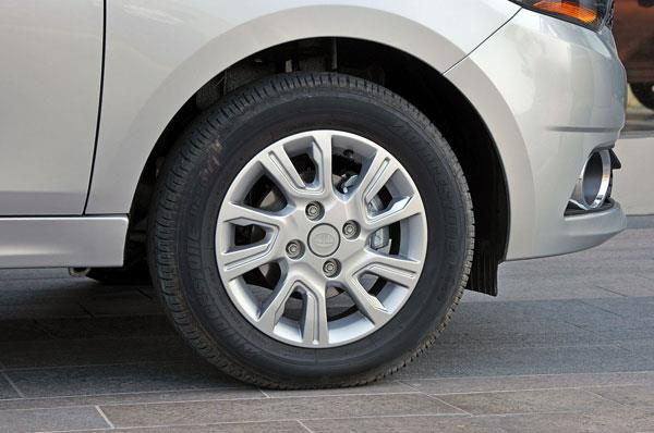 Diesel Tigors use 14-inch wheels and alloy wheel design is shared with Tiago.