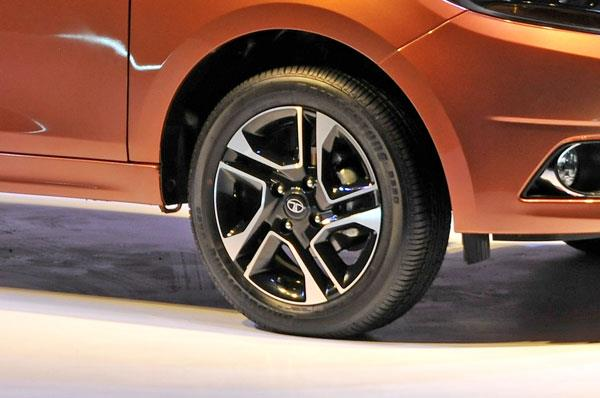 Petrol Tigors get attractive 15-inch diamond cut alloy wheels.